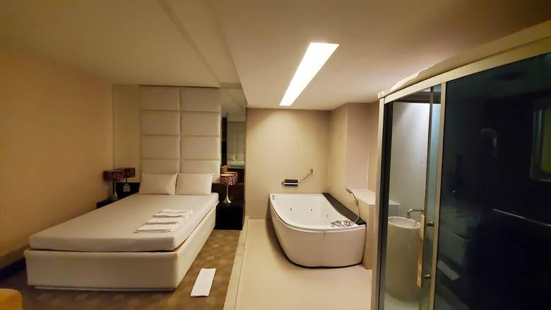 バンコクのマッサージパーラー ラ・べルの部屋